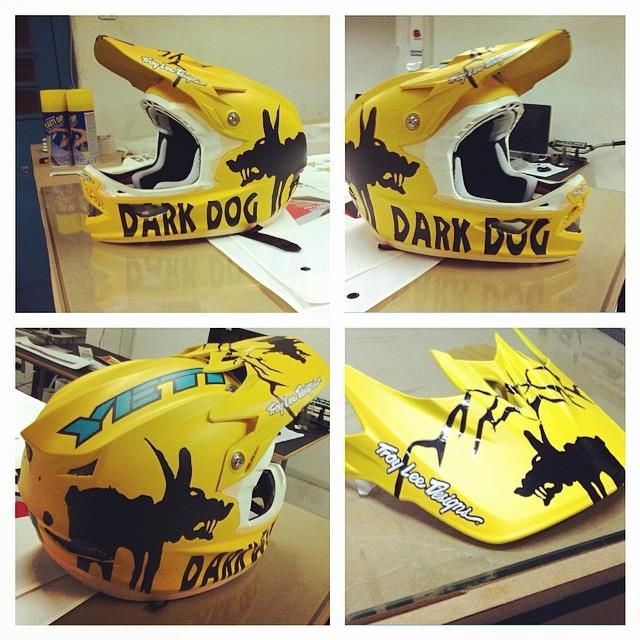 casco darkdog